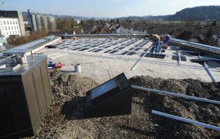 Installation einer Photovoltaik-Anlage bei Ott + Wyss AG, Zofingen (März / April 2010)