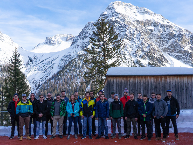 Skitage 2020: das Goldenberger-Team in Arosa